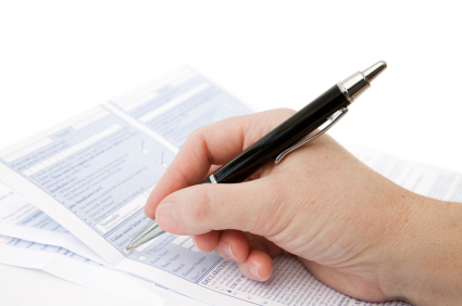 Qualification filings signature requirements