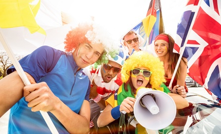 Soccer fans World Cup - Fotolia_202350362_XS